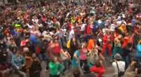 Me encantan los «flash mobs», más aún cuando ocurren cosas que uno no se espera. Aquí tenéis algunos de lo más variado. ¡A disfrutarlos! Saludos.