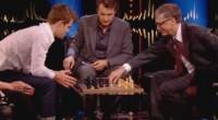 El pasado miércoles se grabó en Londres una entrevista para el canal NRK de la televisión noruega en la que participaron Magnus Carlsen y el cofundador de la todopoderosa Microsoft, […]