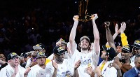 Hace hoy exactamente un año y dos días Pau Gasol conseguía un hito más en su carrera baloncestística: ganar el anillo de campeón de la NBA con el equipo de […]