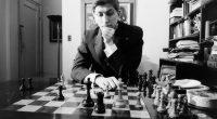 """No es demasiado original el título de esta entrada, pues ya en 1971 el maestro asturiano Pablo Morán publicó un libro precisamente con este mismo título, """"«Bobby» Fischer: su vida […]"""