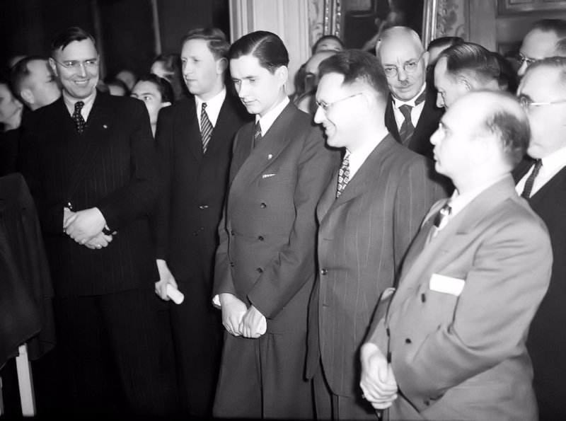 Ceremonia inaugural del Campeonato del Mundo 1948: Euwe, Smyslov, Keres, Botvinnik y Reshevsky