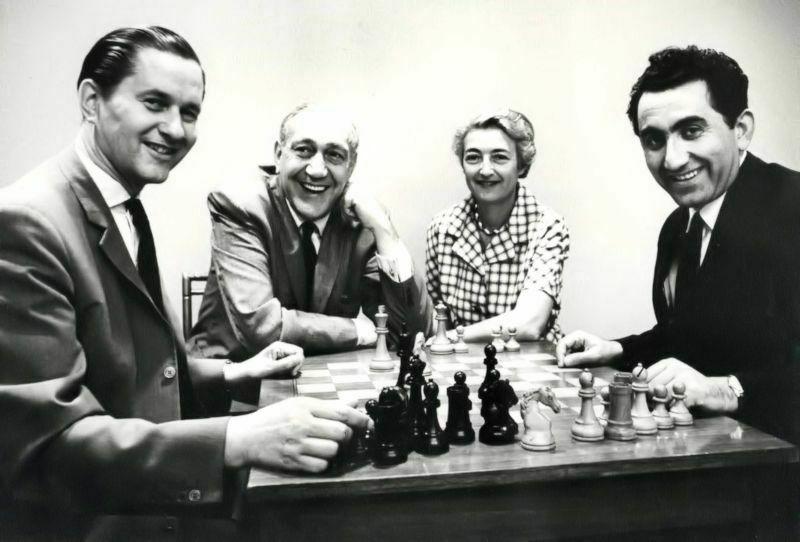 1963 I Copa Piatigorsky (Los Ángeles). Keres y Petrosián junto con el matrimonio Piatigorsky