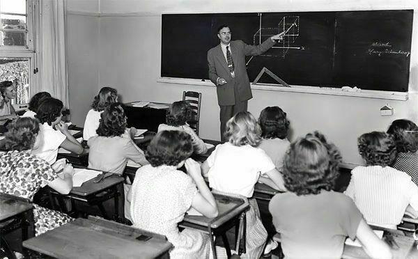Euwe dando clases.