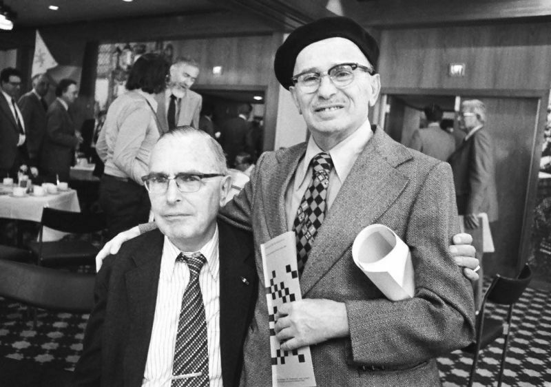 Euwe con Reshevsky, 1977